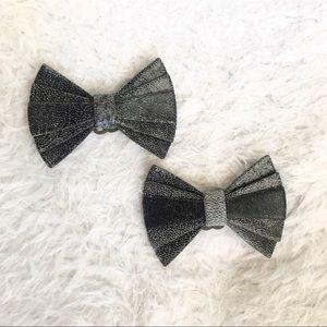 Shoes - Vintage Grey Crackle Shoe Clips 🗝
